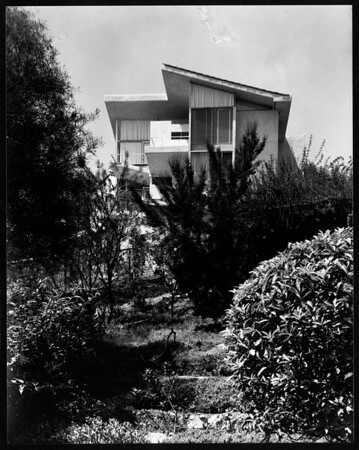 Exterior view of the Elizabeth Van Patton residence, Los Angeles, 1934