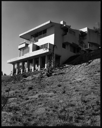 Exterior view of the Walker House, Los Angeles, 1936