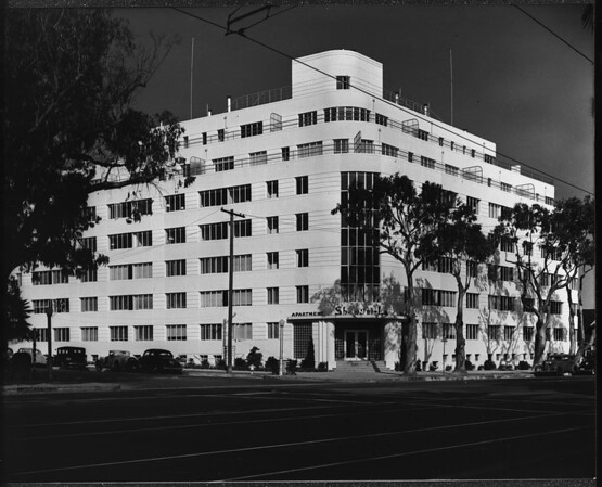 General view of the Shangri-La Hotel, Santa Monica, ca.1940