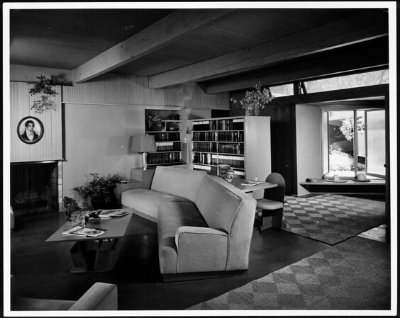 Interior view of the Daugherty Residence, Los Angeles [s.d.]