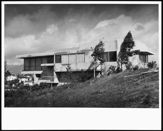 Exterior view of the Oliver House, Los Angeles, 1934