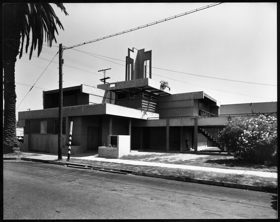 Exterior view of the Bethlehem Baptist Church, Los Angeles, 1944