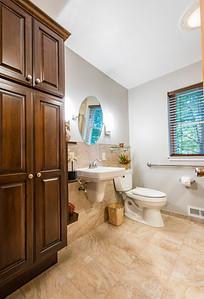 Snyder bathroom 02262016-1
