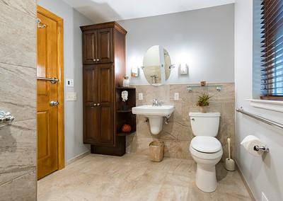 Snyder bathroom 02262016-7