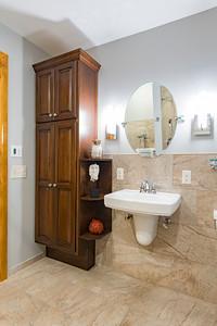 Snyder bathroom 02262016-9