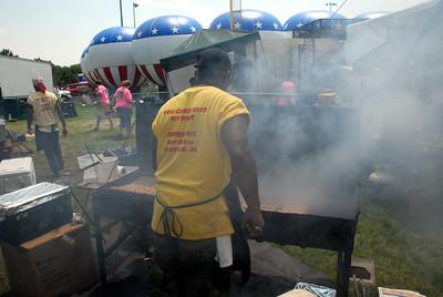 Ribfest - Naperville, Illinois - July 3-7, 2013 - The Rib Vendors wre BUSY!!!