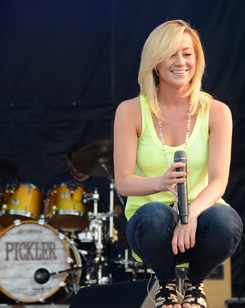 Ribfest 2015 - Naperville, Illinois - Sponsored by the Exchange Club of Naperville - Kellie Pickler