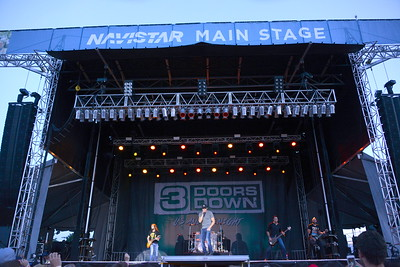 Ribfest 2016 - Naperville, Illinois - Navistar Stage - 3 Doors Down
