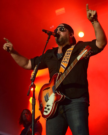 Ribfest 2016 - Naperville, Illinois - Navistar Stage - Lee Brice
