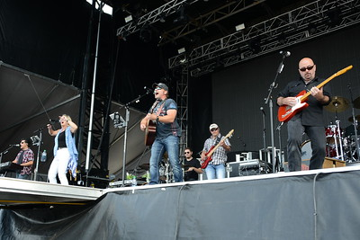 Ribfest 2016 - Naperville, Illinois - Navistar Stage - Billy Croft