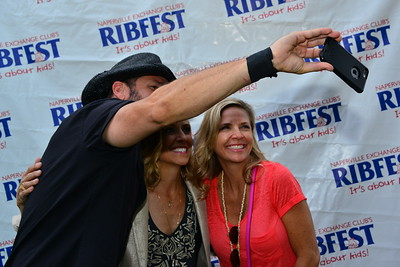 Ribfest 2016 - Naperville, Illinois - Meet & Greet - Sheryl Crow