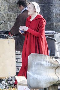 EXC: Under His Eye! Offred AKA Elisabeth Moss On Coffee Break Filming A Handmaid's Tale