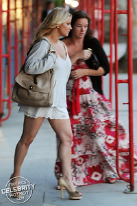 EXCLUSIVE: Jessica Simpson Fashions Short skirt Leaving The Ivy, LA