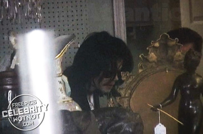 EXC: Michael Jackson Shopping On Melrose Avenue 8 Months Before Death