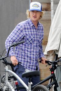 "EXCLUSIVE: Owen Wilson On $1000 Hybrid ""Hooligan� Bicycle! LA"