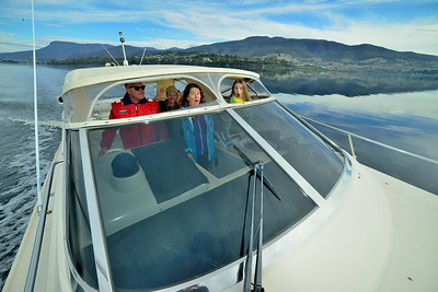A trip up the Derwent River on Paul's boat, the White Star