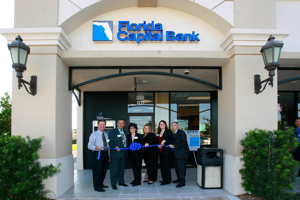 Bank Officials listed left to right. Michael Staley (Market Executive), Kip Gasorek, Lorraine Longobardi (Branch Manager), Pam Brufau, Kristin Barrett, and Sebastian Di Casoli.