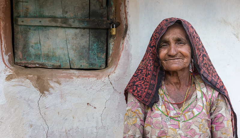 Rajasthan, India. A friendly woman in the Indian community of Shergarh, in the Thar desert outside Jodhpur.