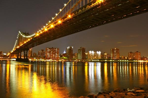 Barbara Zahno - Manhattan Bridge by Night