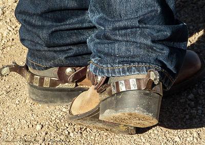 Aguilu_-_Boots_n_Spurs
