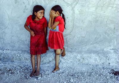 Giggling Girls, San Bartholomé el Quiche, Guatemala 1986