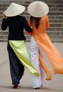 03 Vietnamese Ladies [Da Lat, Vietnam] 2009
