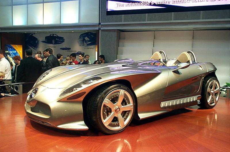 Concept car: Mercedes F400 Carving