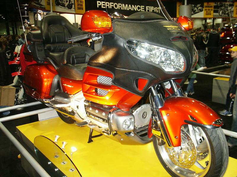 Honda Goldwing GT-style (Candy Orange)