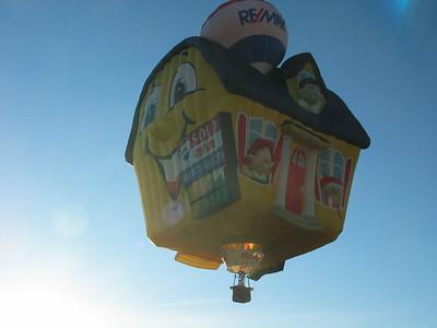 Soaring Home (Remax) Balloon