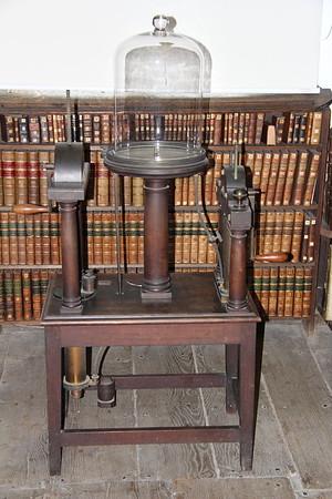 Large Air Pump, by Richard Saunders, Salisbury Court, London (c.1790–1800).