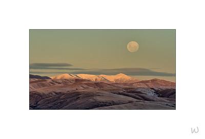 Moonrise over the Hawkduns
