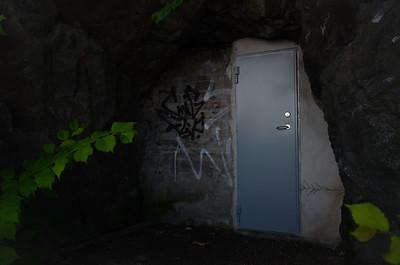 Door to the unknown (Stadsgårdskajen)