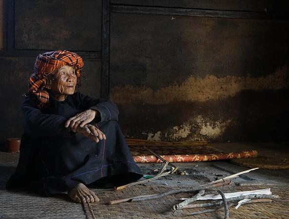 mary_whitesides-Myanmar woman