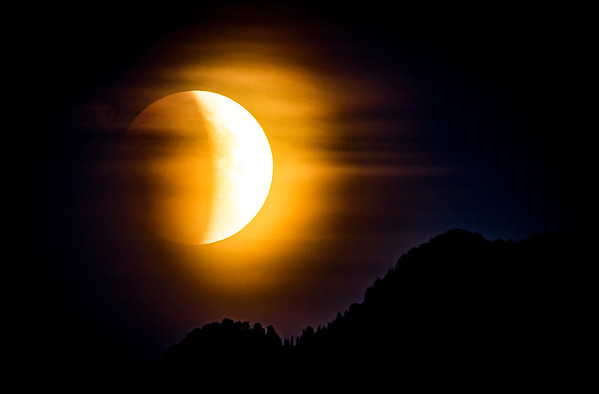 Lloyd_Blackburn_Blood_Moon_Lunar_Eclipse_Rising