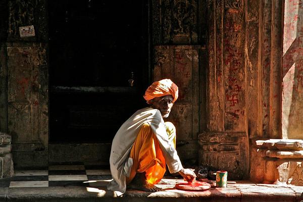 mary_whitesides-holy man ritual india