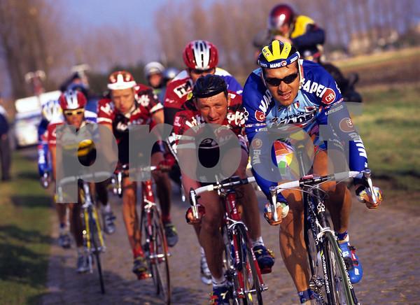 Franco Ballerini leads the winning escape in the 1995 Het Volk