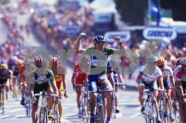 TOM STEELS IN THE 2000 TOUR DE FRANCE