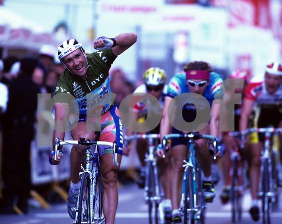 Adriano Baffi wins a stage of the 1993 Ruta del Sol