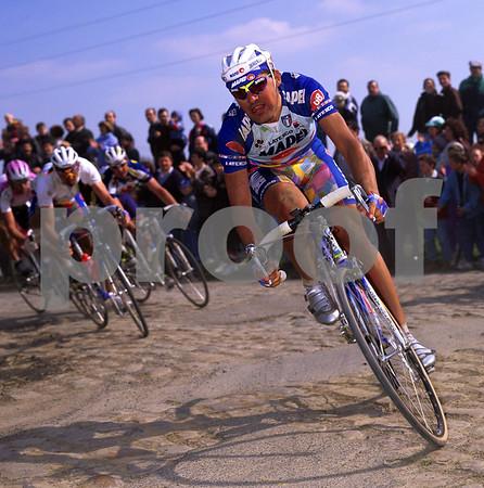 Gianluca Bortolami in the 1999 Paris-Roubaix