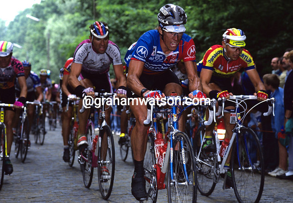 PHIL ANDERSON IN THE 1992 TOUR DE FRANCE