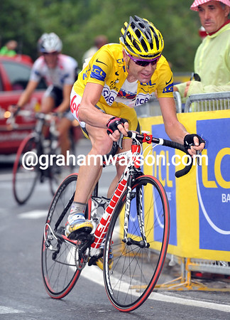 CADEL EVANS ON STAGE FIFTEEN OF THE 2008 TOUR DE FRANCE