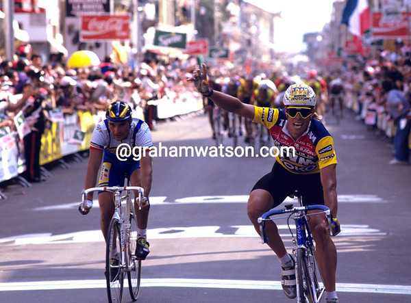 PHIL ANDERSON WINS A STAGE OF THE 1990 GIRO D'ITALIA