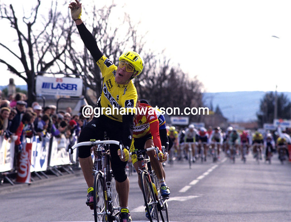 STEPHEN HODGE WINS A STAGE OF THE CRITERIUM INTERNATIONAL