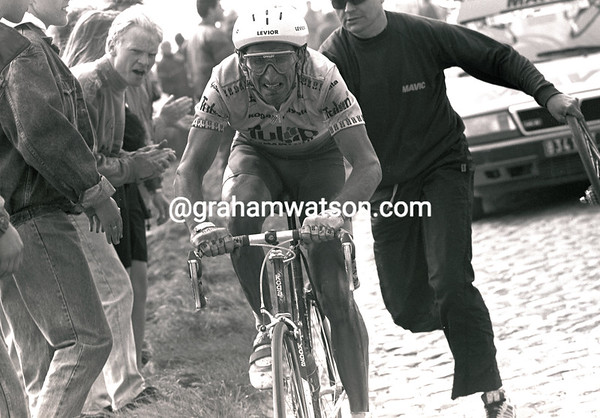 ALLAN PEIPER IN THE 1993 PARIS-ROUBAIX