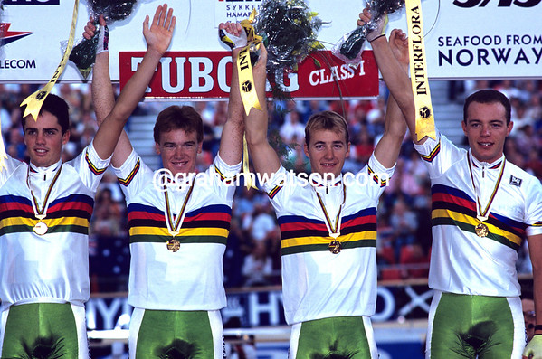 STUART O'GRADY AND THE AUSTRALIAN TEAM IN THE 1993 WORLD TRACK CHAMPIONSHIPS
