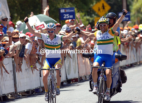 RUSSEL VAN HOUTE AND PAUL CRAKE CELEBRATE WINNING STAGE FOUR OF THE 2007 TOUR DOWN UNDER TO WILLUNGA