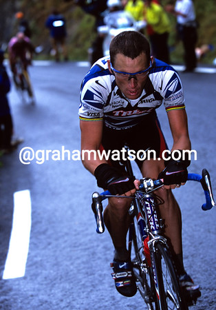 Lance Armstrong at Hautecam in the 2000 Tour de France