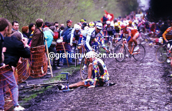 Johan Museeuw crashes in the 1998 Paris-Roubaix
