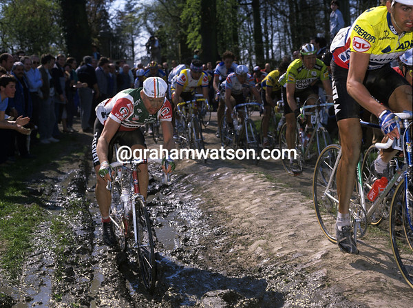 Fotos históricas o chulas de CICLISMO - Página 3 Pars-Roubaix%201-M