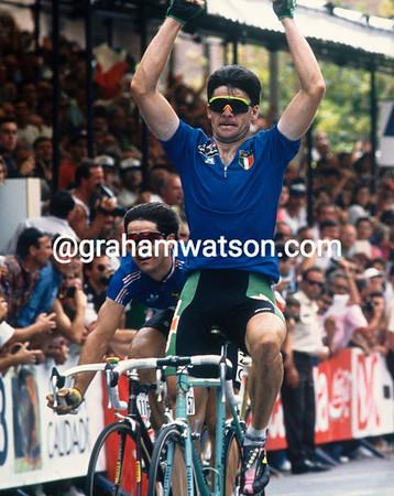 Gianni Bugno wins the 1992 World Championships in Benidorm, Spain